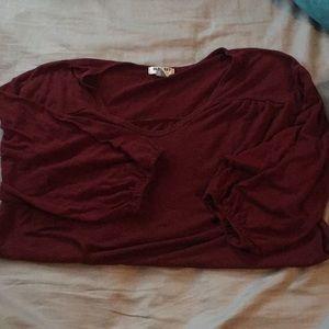 3/4 sleeve old navy shirt